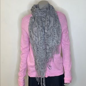 Alfred sung grey paisley scarf.